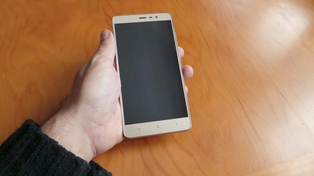 Xiaomi Redmi Note 3 mano